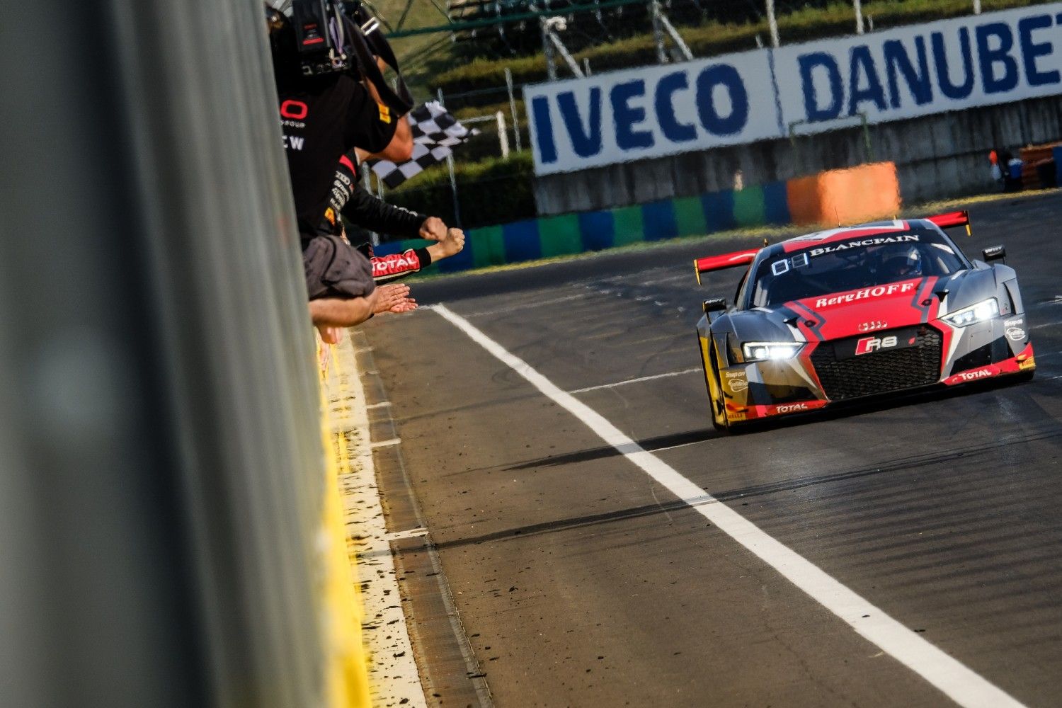 Audi caps perfect Budapest run with Qualifying Race win