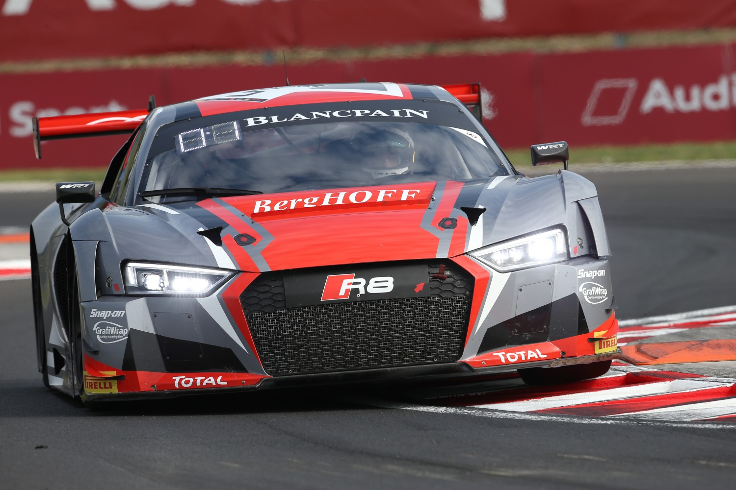 Audi first in tight FP1 at the Hungaroring