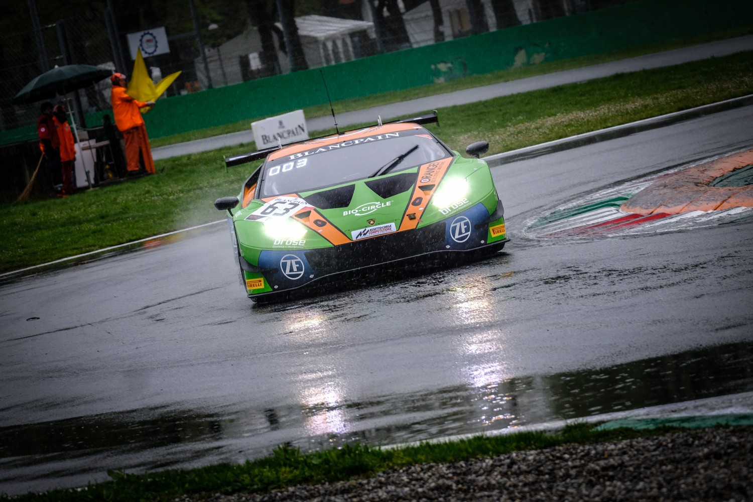 Grasser-Lamborghini emerges from rain-hit qualifying to bag pole position at Monza