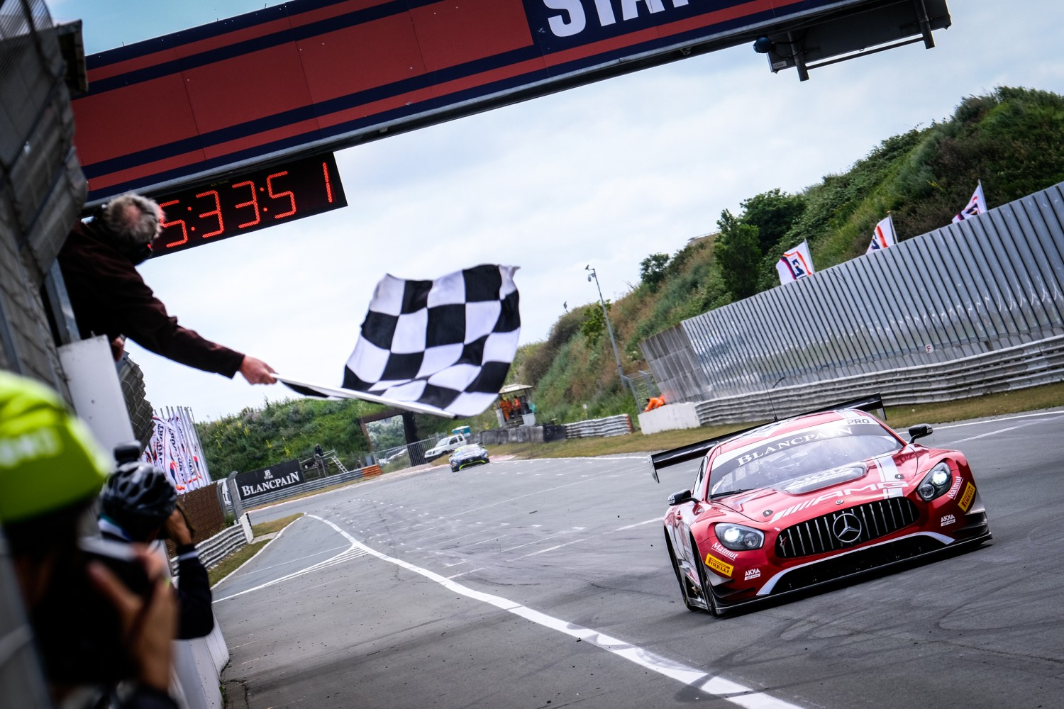 Marciello and Abril dominate at Zandvoort to take breakthrough triumph in #88 AKKA ASP Mercedes-AMG
