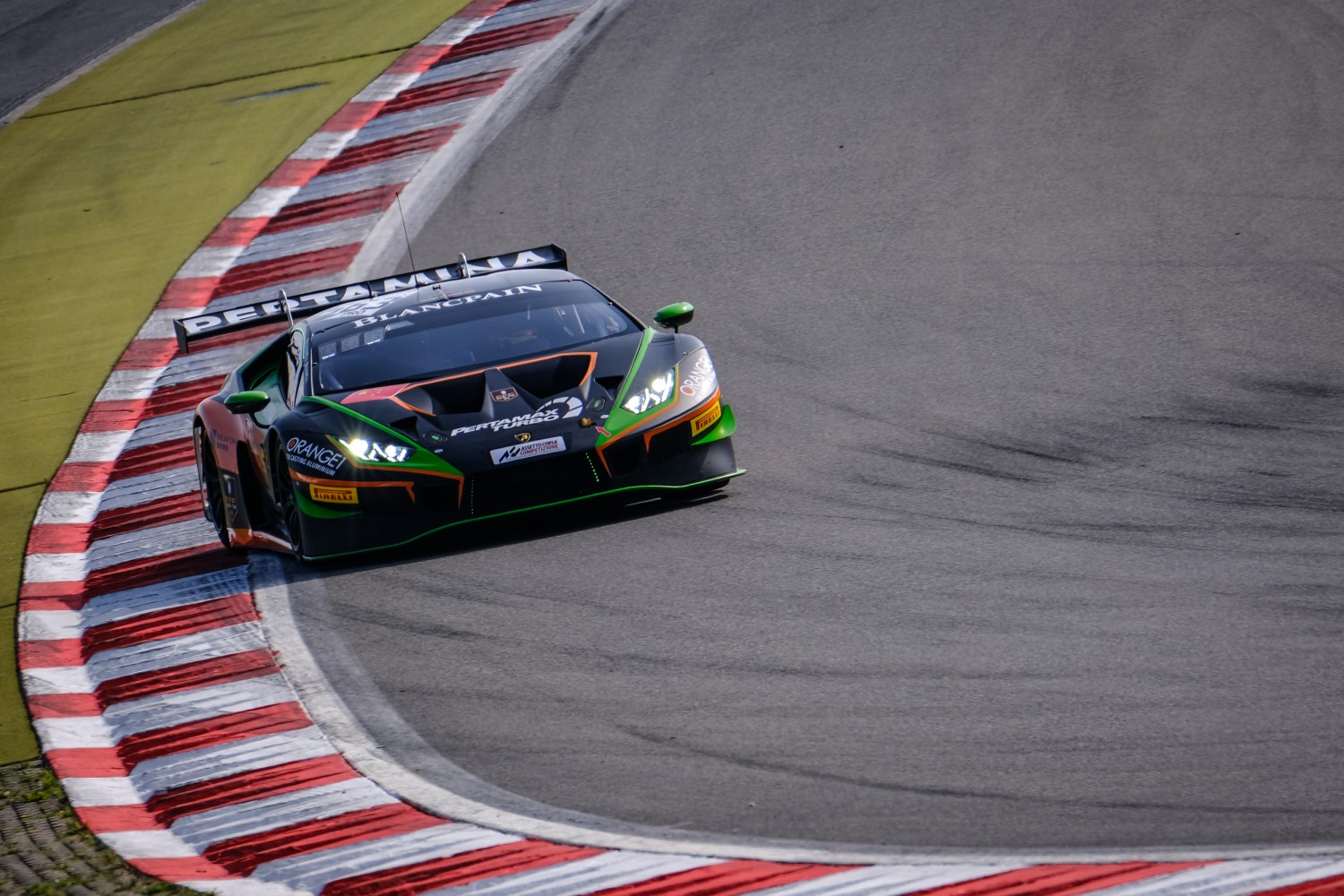 Mapelli puts FFF Lamborghini on top in opening Nürburgring practice