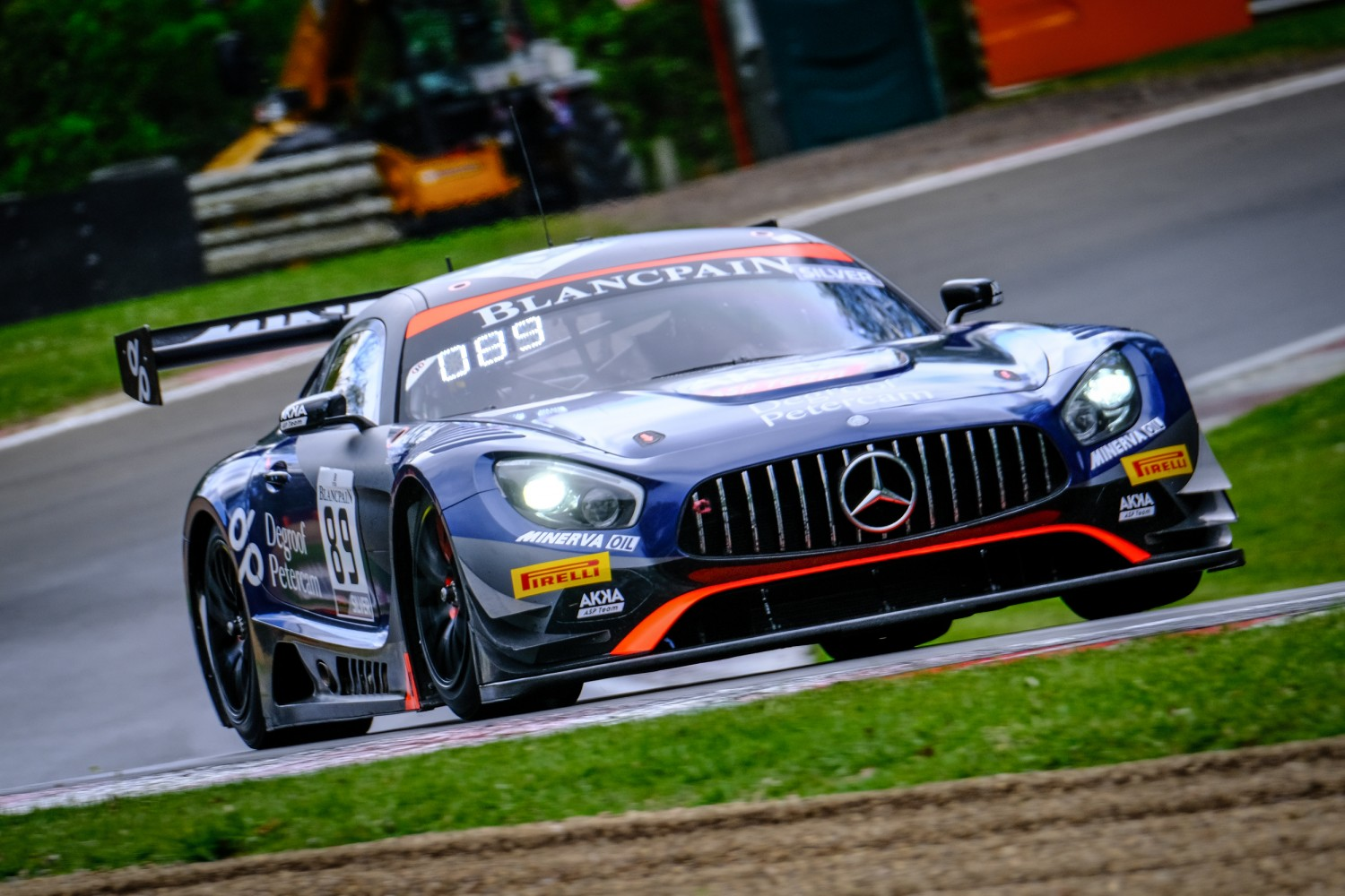 AKKA ASP takes sensational opening Brands Hatch victory with #89 Mercedes-AMG