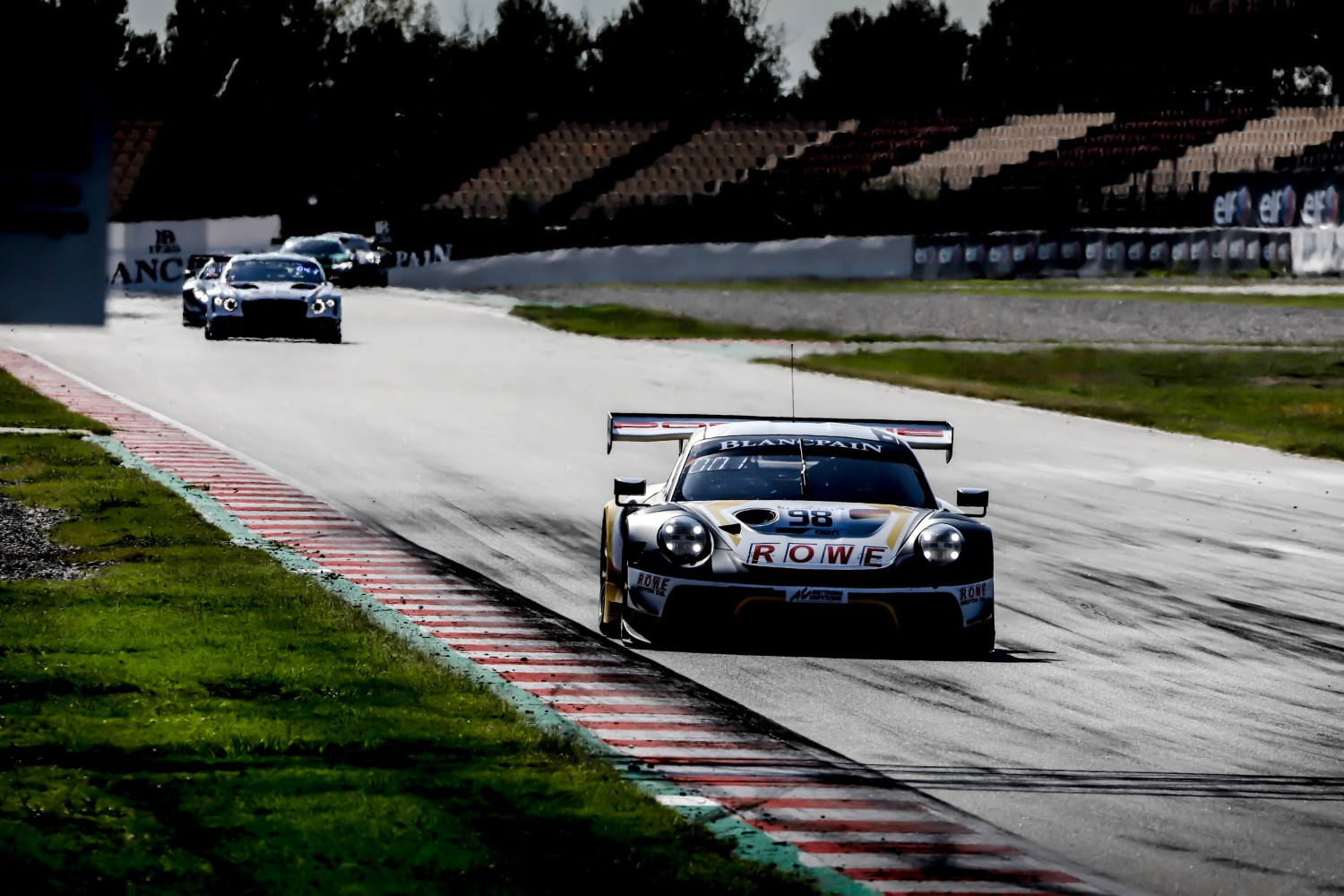Porsche to the fore in Circuit de Barcelona-Catalunya pre-qualifying