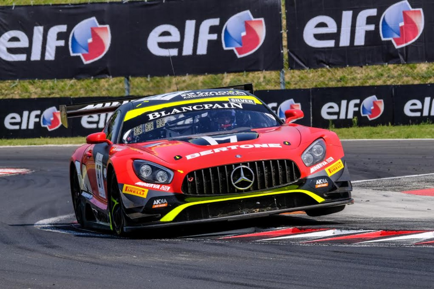 Jamin puts AKKA-Mercedes on top in opening practice at Hungaroring