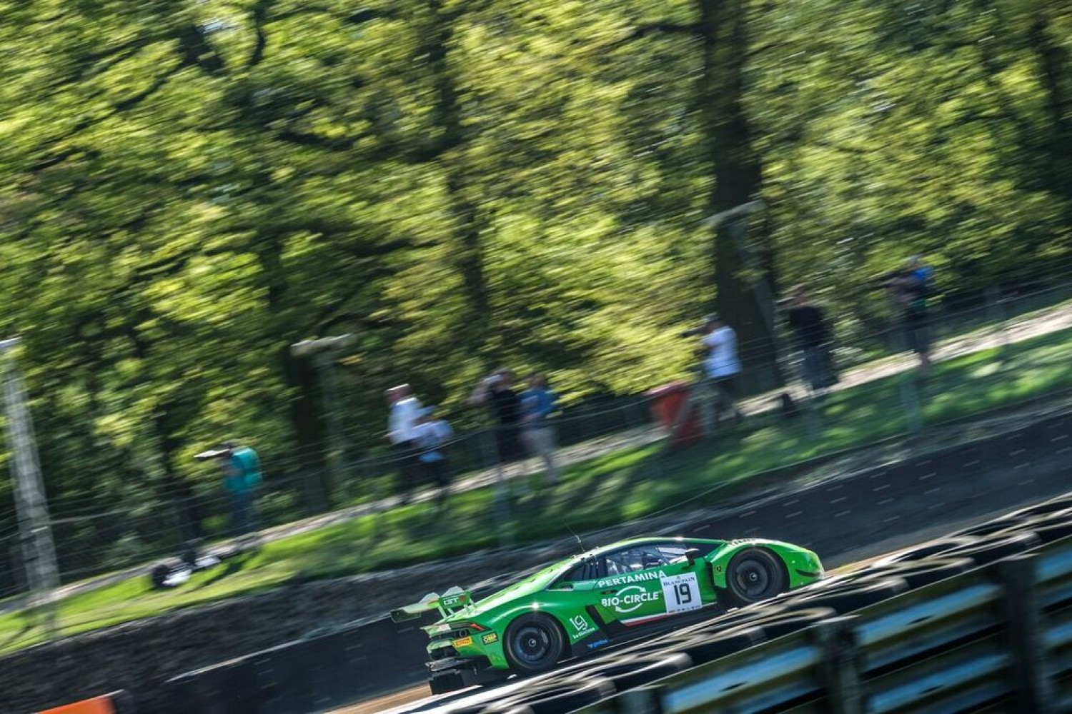 Grasser-Lamborghini paces opening practice session at Brands Hatch