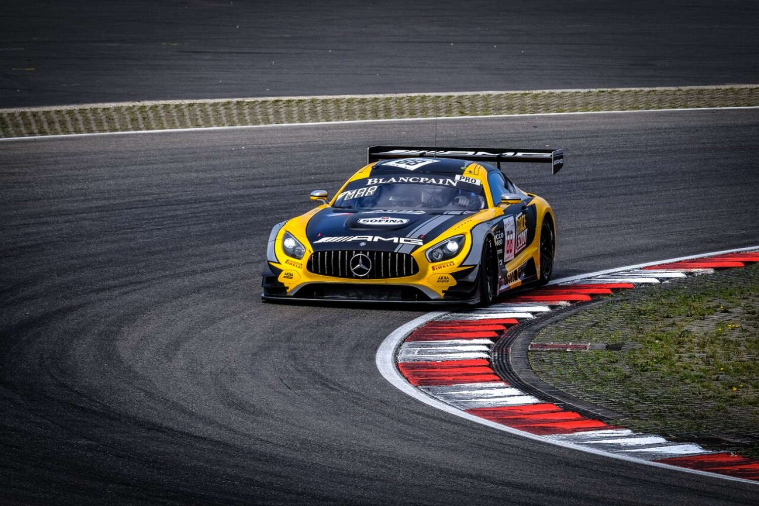 AKKA ASP Mercedes-AMG strikes back in second practice