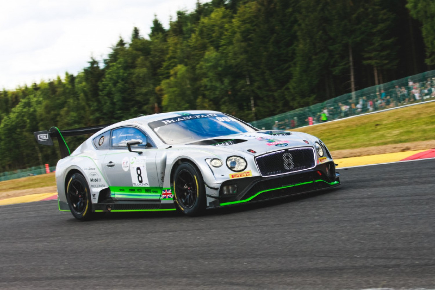 Race comes alive as Total 24 Hours of Spa approaches five-hour mark
