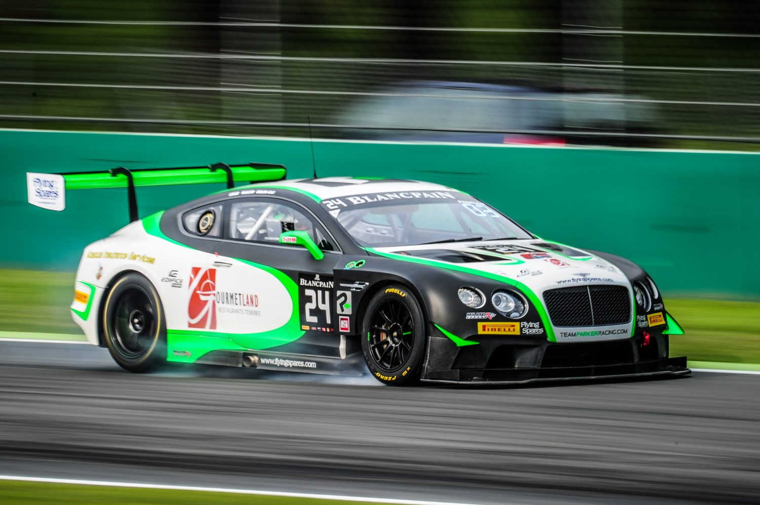 #24 TEAM PARKER RACING (GBR) BENTLEY CONTINENTAL GT3 IAN LOGGIE (GBR) CALLUM MACLEOD (GBR) TOM ONSLOW COLE (GBR) | PASCAL SAIVET / VISION SPORT AGENCY