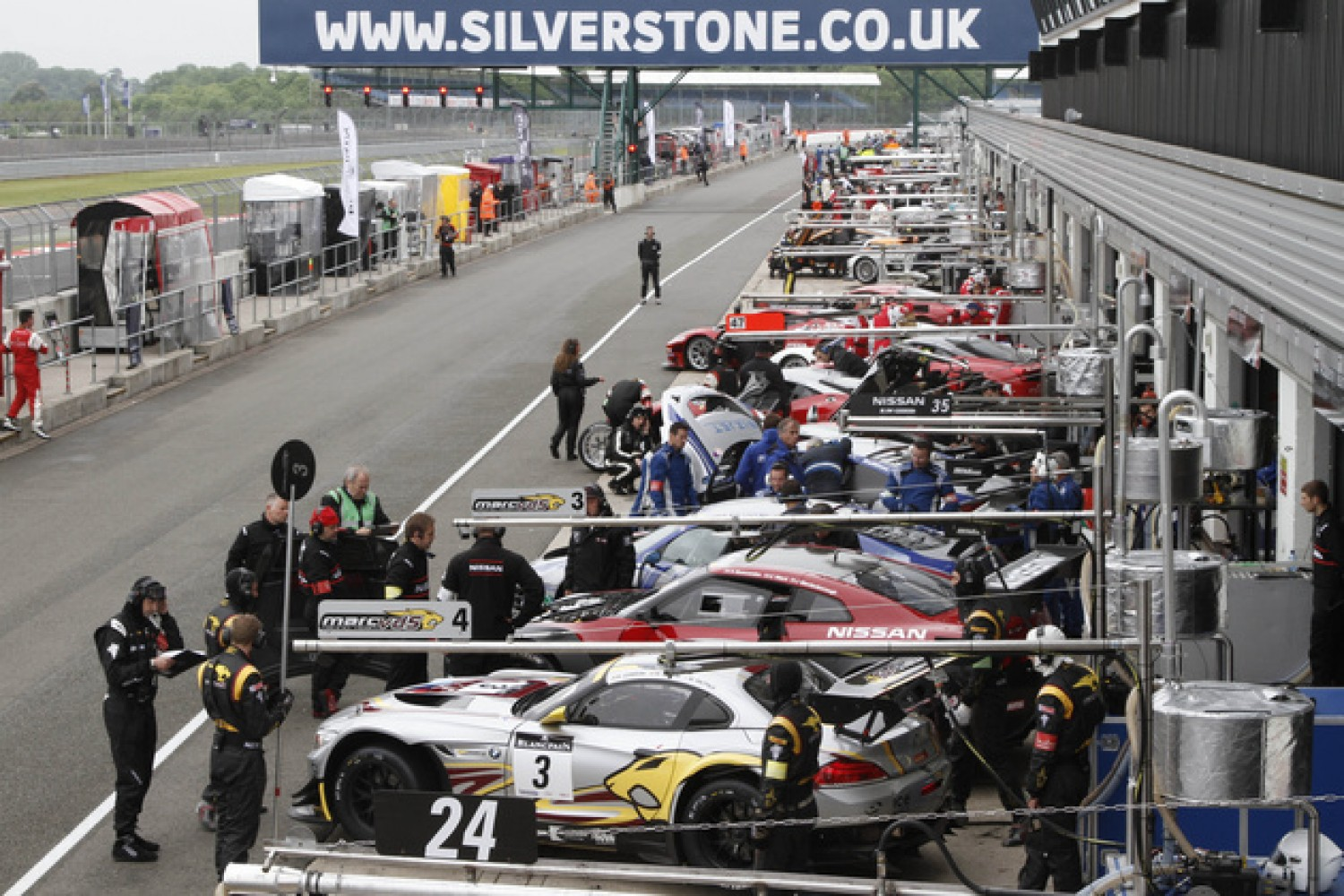 EPIC SILVERSTONE SHOWDOWN FOR COLOSSAL GT3 GRID