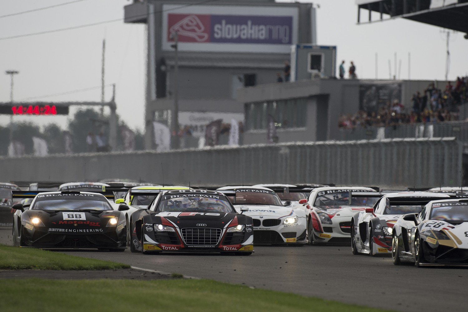 Laurens Vanthoor and Cesar Ramos win dramatic qualifying race