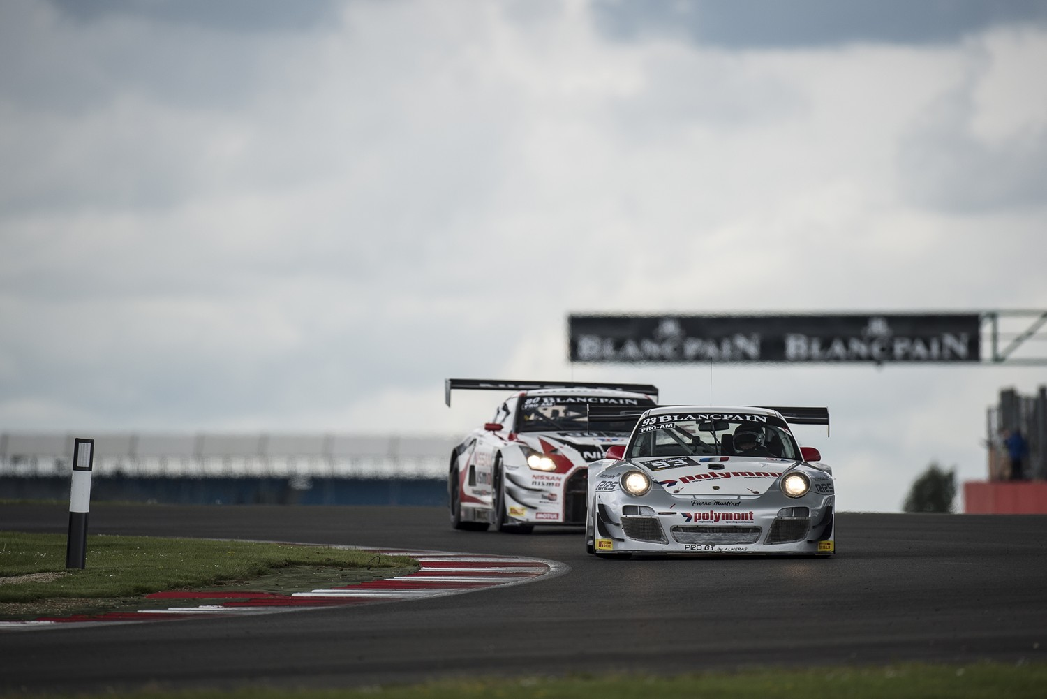 Franck Perera puts Pro GT by Almeras Porsche on pole