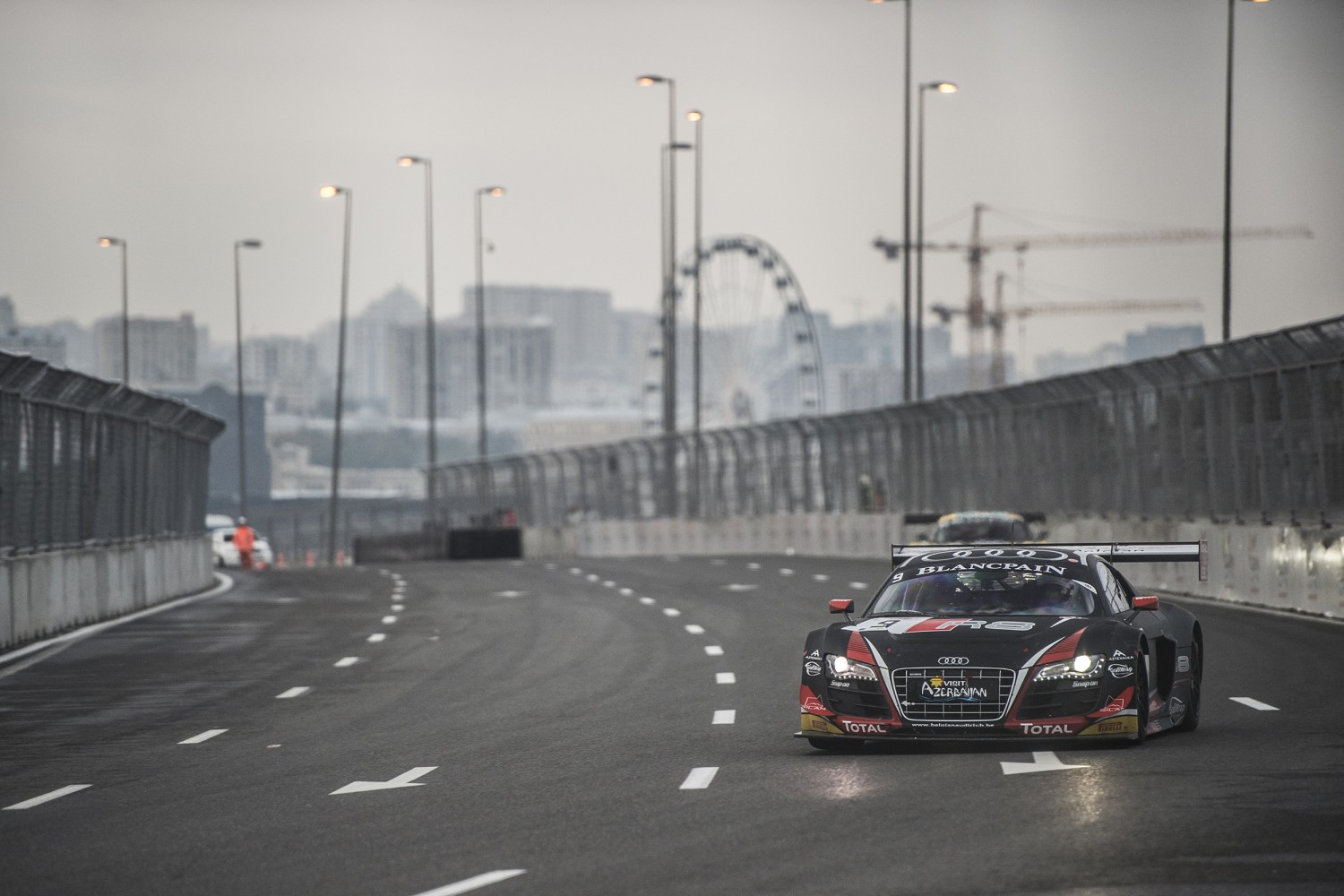 Stephane Ortelli on top after exciting Baku World Challenge Qualifying Session
