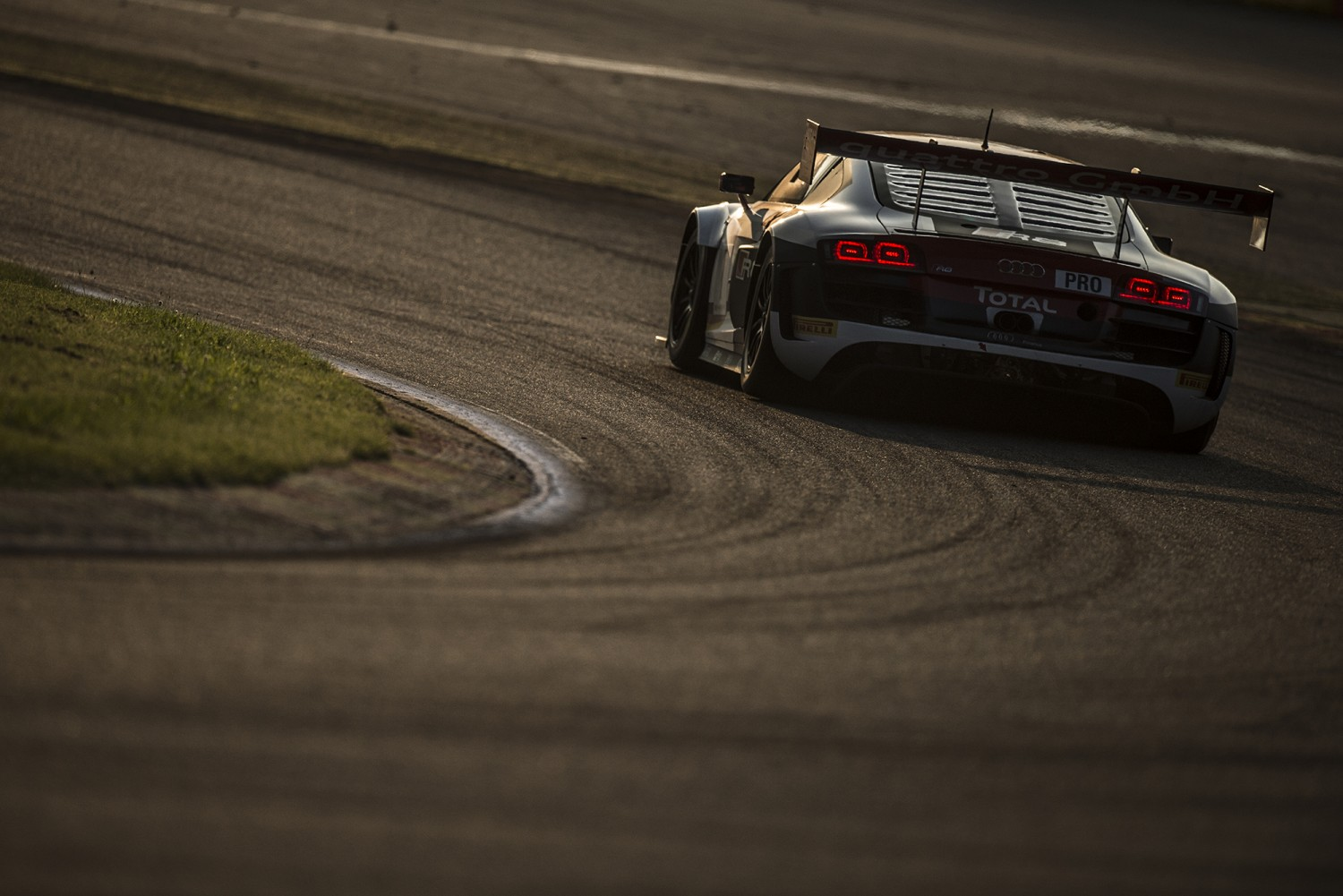 Sole Marc VDS BMW still taking on three WRT Audis