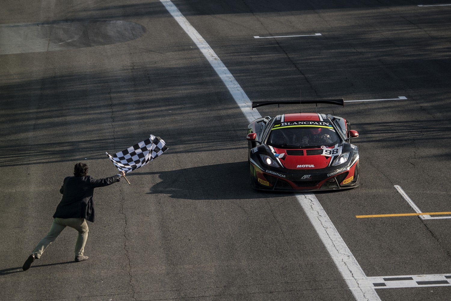 ART Grand Prix McLaren takes first win of the season in Blancpain Endurance Series