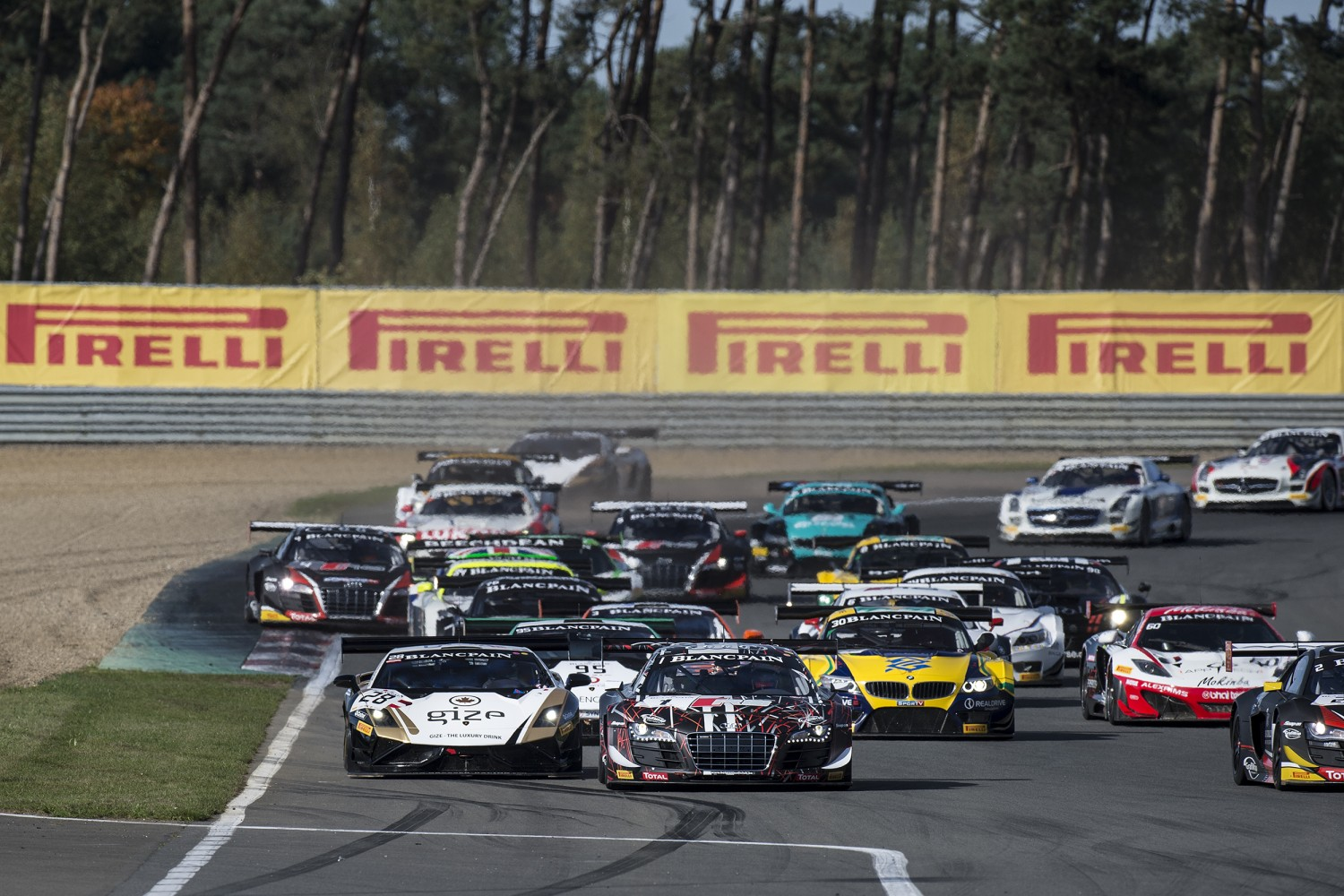 Laurens Vanthoor and Cesar Ramos dominate Zolder Qualifying Race