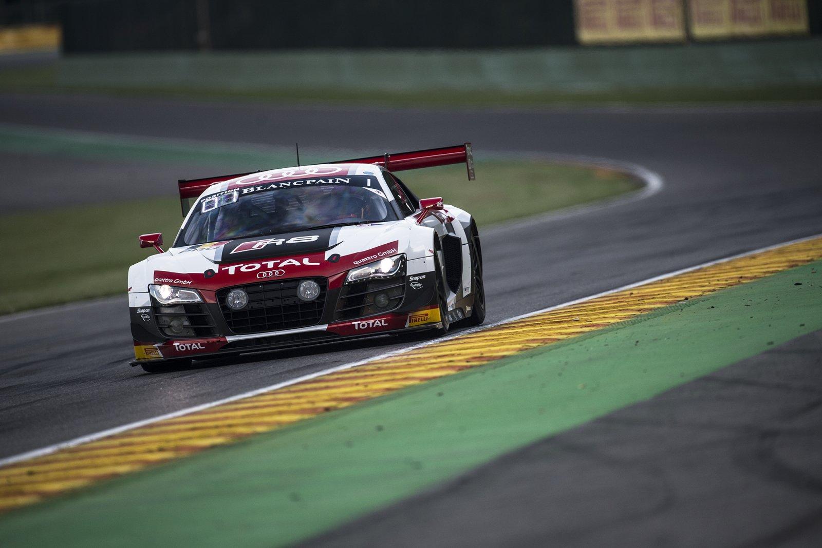 Laurens Vanthoor puts #1 Belgian Audi Club Team WRT Audi on pole