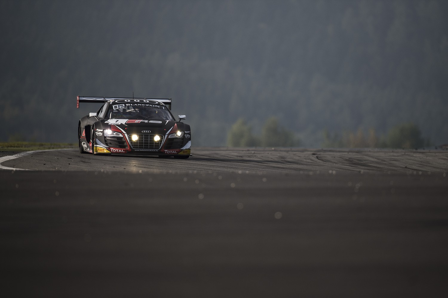Pro Cup leader Vanthoor on top in Pre-Qualifying Session