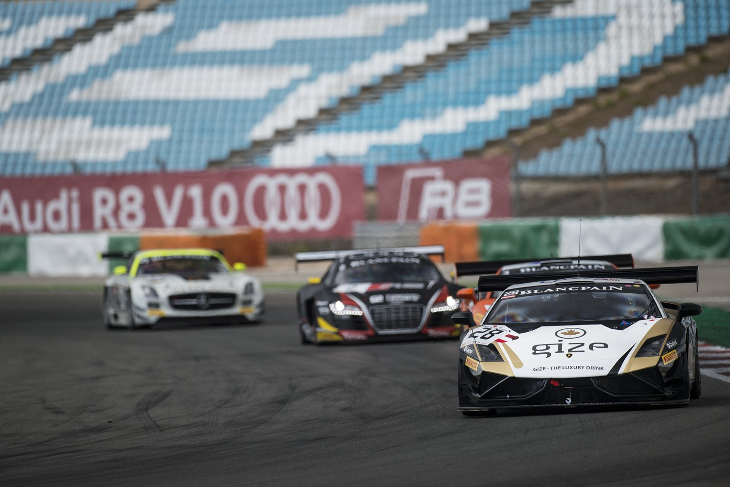 Hard-fought win for Bleekemolen and Proczyk in Qualifying Race