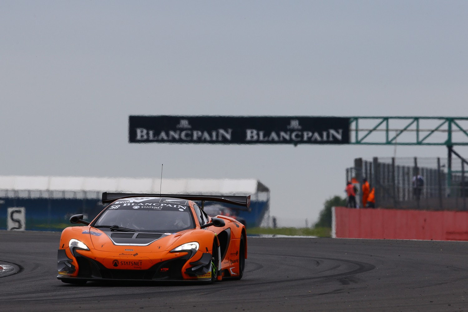 Maiden win for Von Ryan McLaren in Silverstone