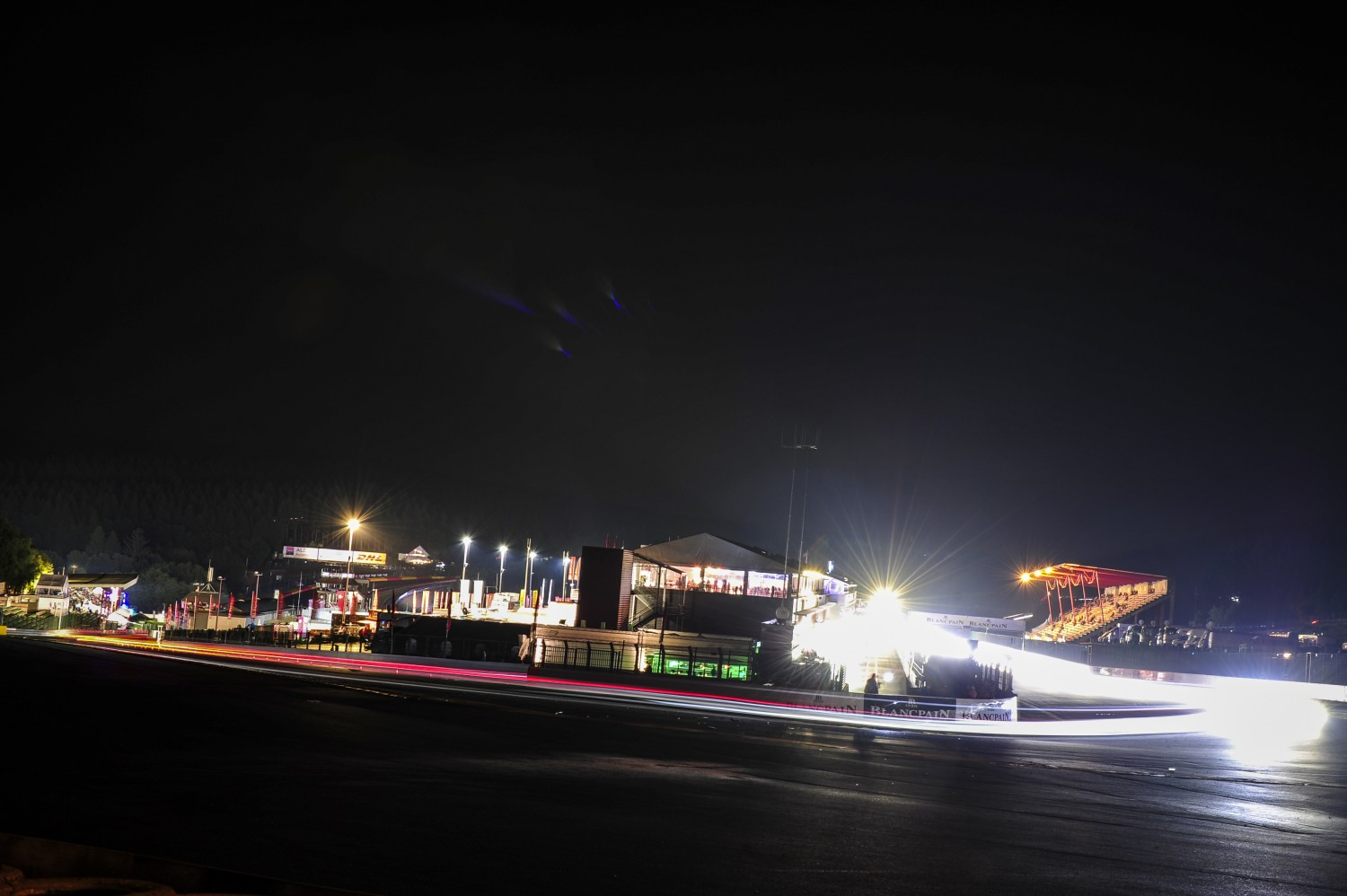 Race update after 8 hours : Six different brands in top-6 after eight hours of racing