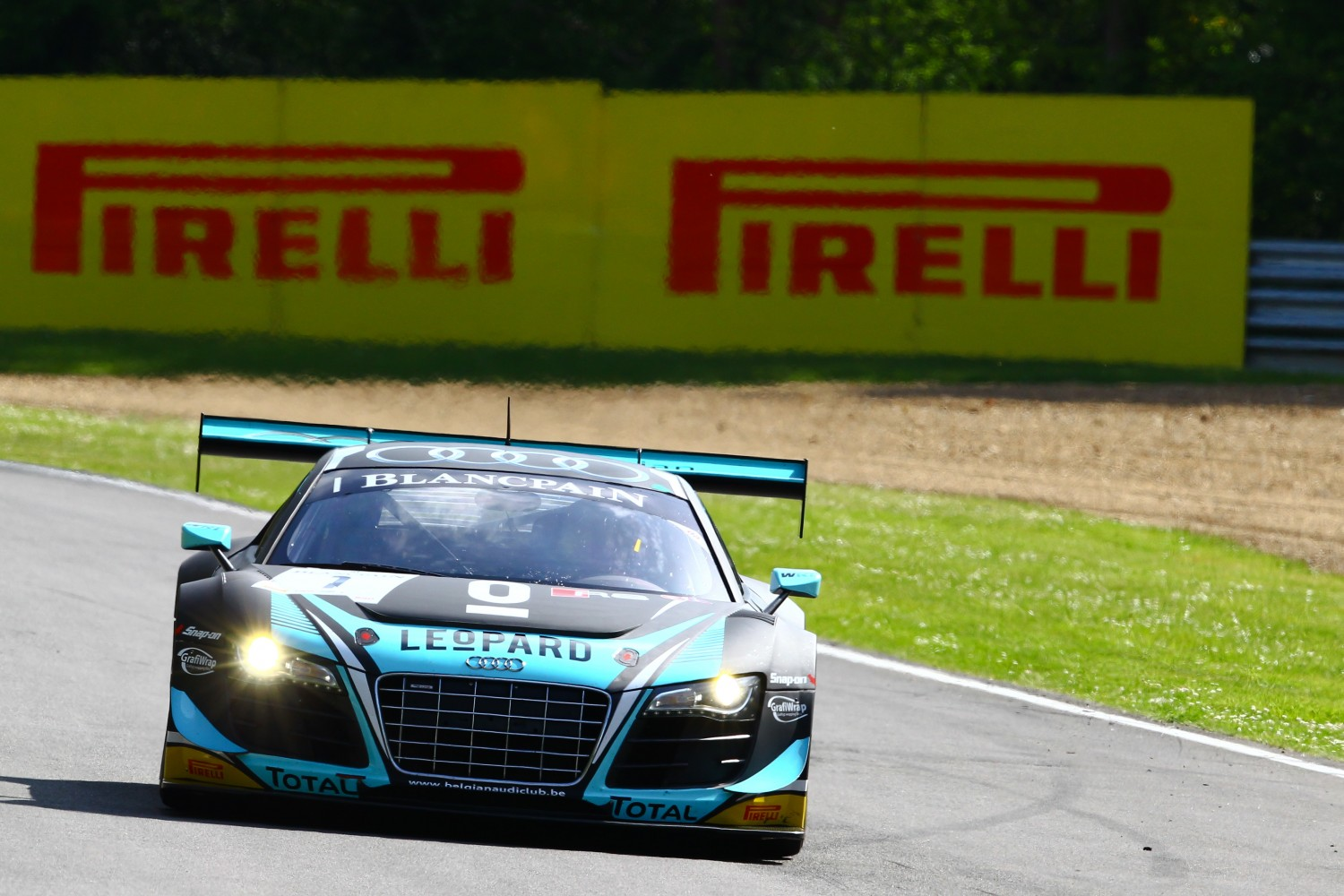Emotional win for Laurens Vanthoor and Robin Frijns