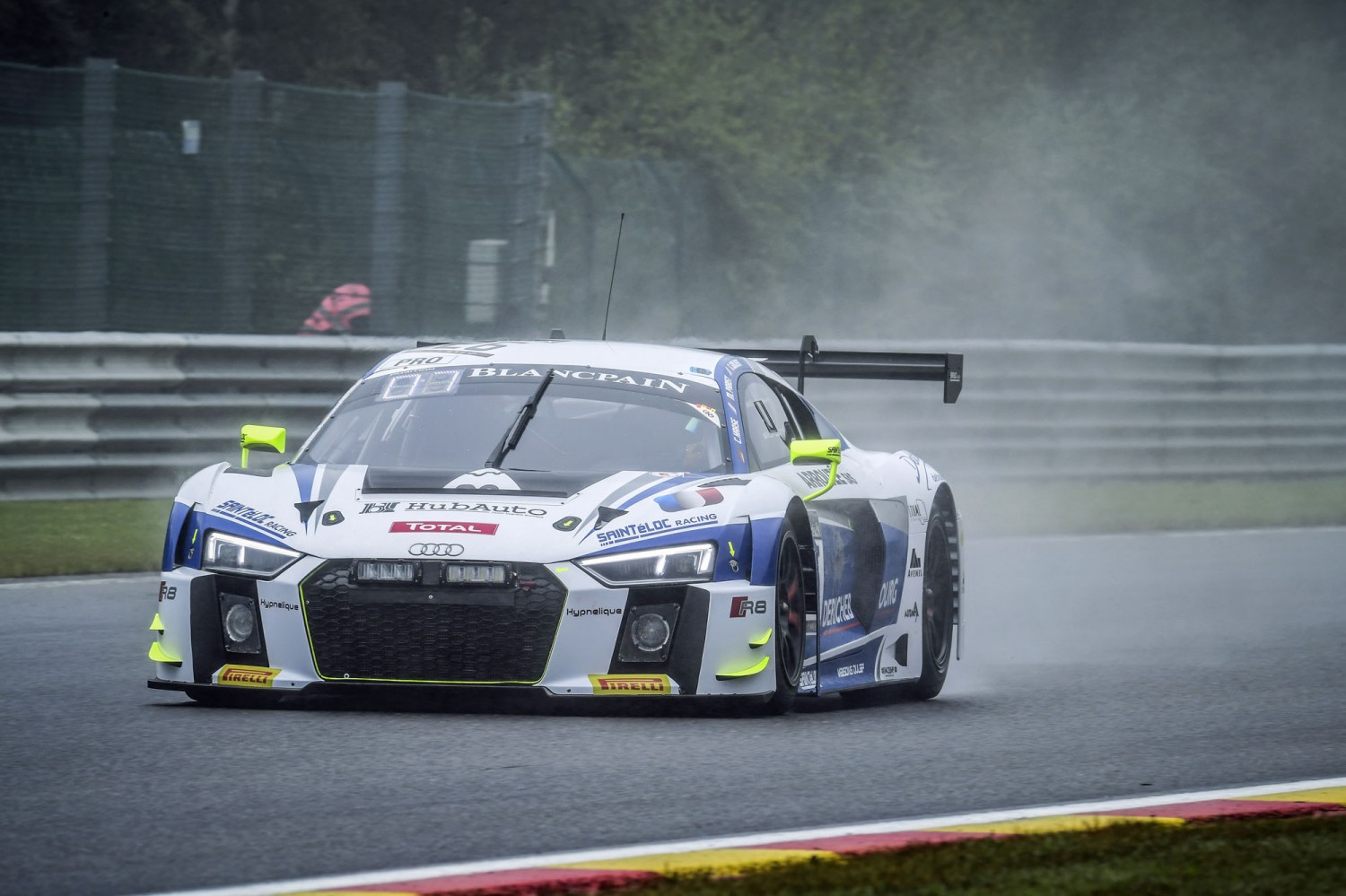 Saintéloc Racing Audi on top in mixed conditions