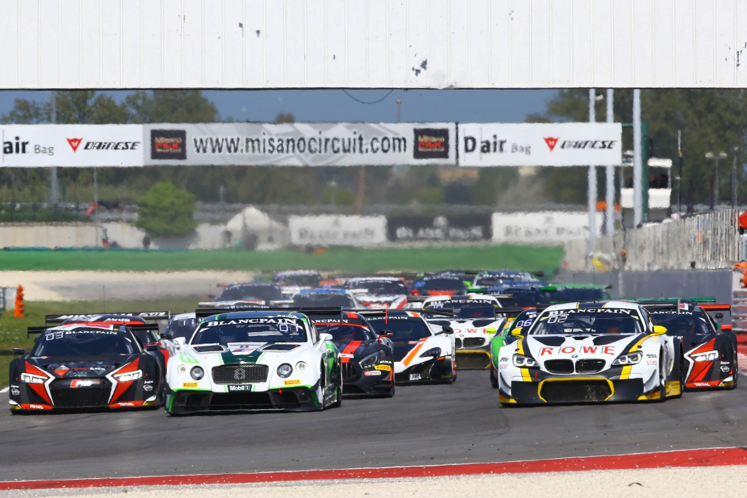 Buhk and Baumann commence their title defence in Misano