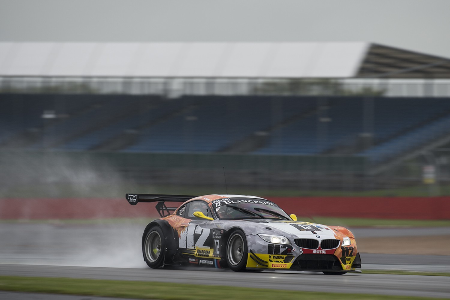 Round 2 Silverstone : Bronze test marred by wet conditions