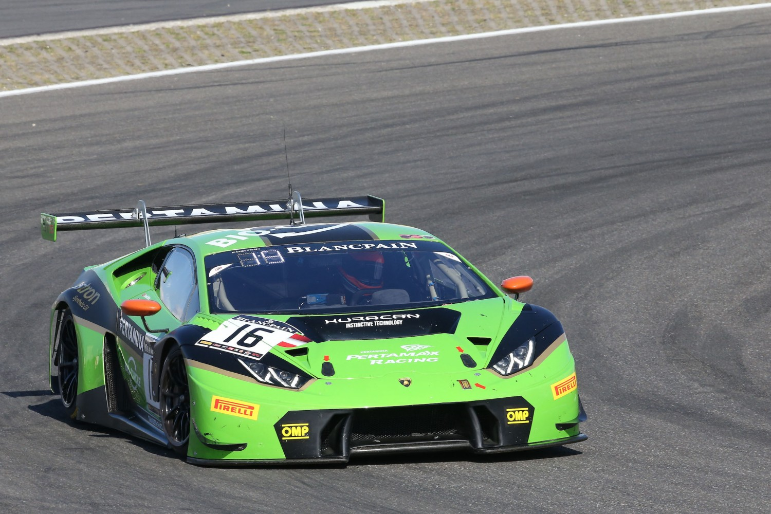 Mirko Bortolotti puts Lamborghini on top in pre-qualifying