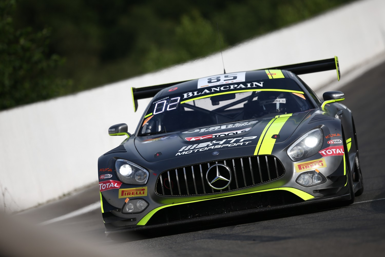 Mercedes-AMG takes pole for 2016 Total 24 Hours of Spa