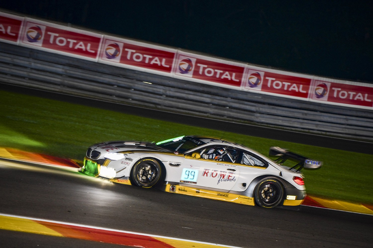 #99 Rowe Racing BMW takes full points at the six-hour mark