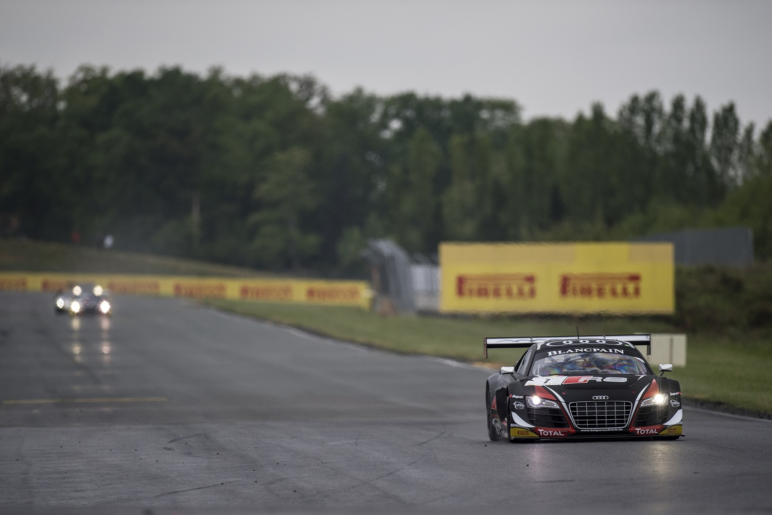 Emphatic win for Laurens Vanthoor and Cesar Ramos in Qualifying Race