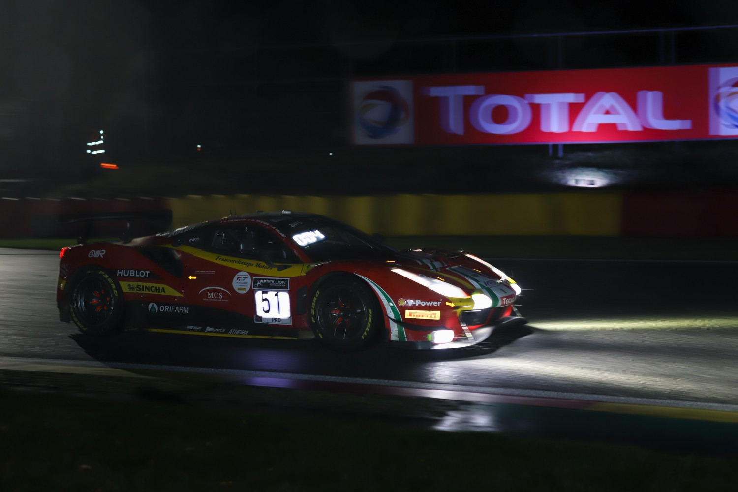 AF Corse Ferrari in the lead at the halfway point