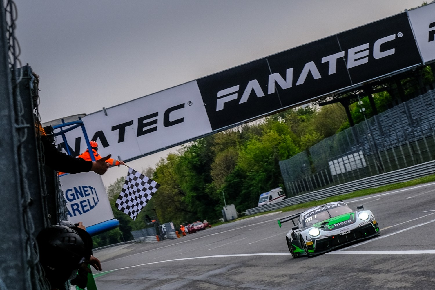 Dinamic Motorsport Porsche secures back-to-back Monza victories in action-packed season opener