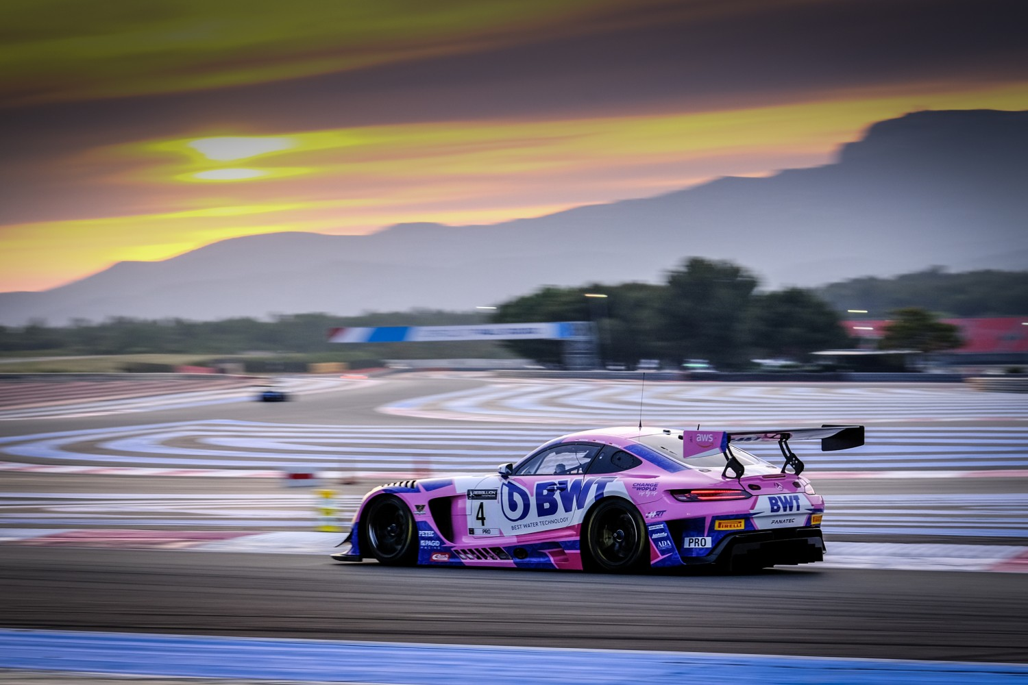 Abril sends HRT Mercedes-AMG to the top in sunset session at Circuit Paul Ricard