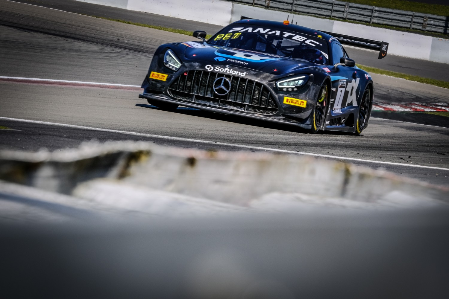 Toksport WRT hits the front, Mercedes-AMG stays on top at the Nürburgring