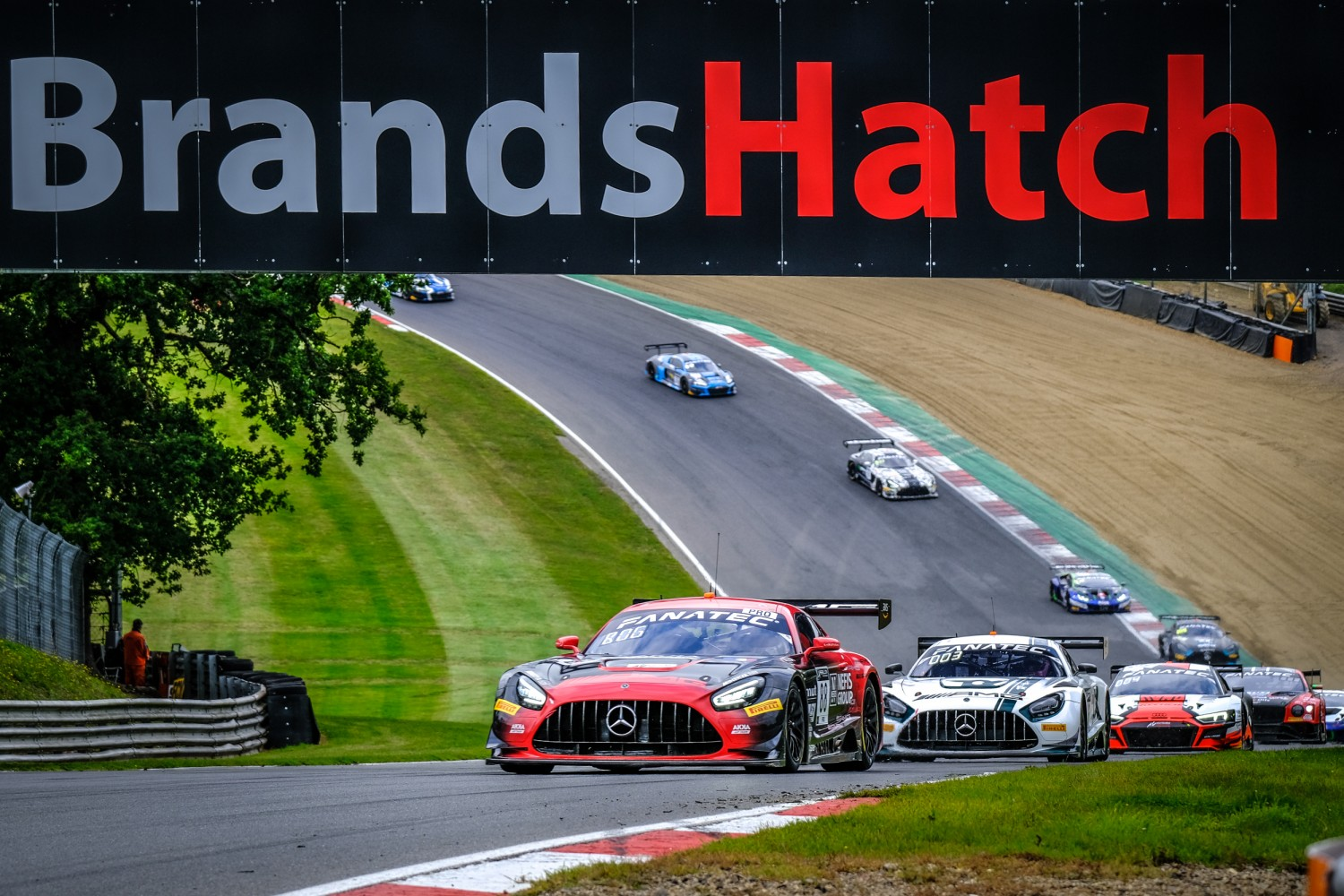 AKKA ASP Mercedes-AMG takes Sprint Cup victory in dramatic finish at Brands Hatch