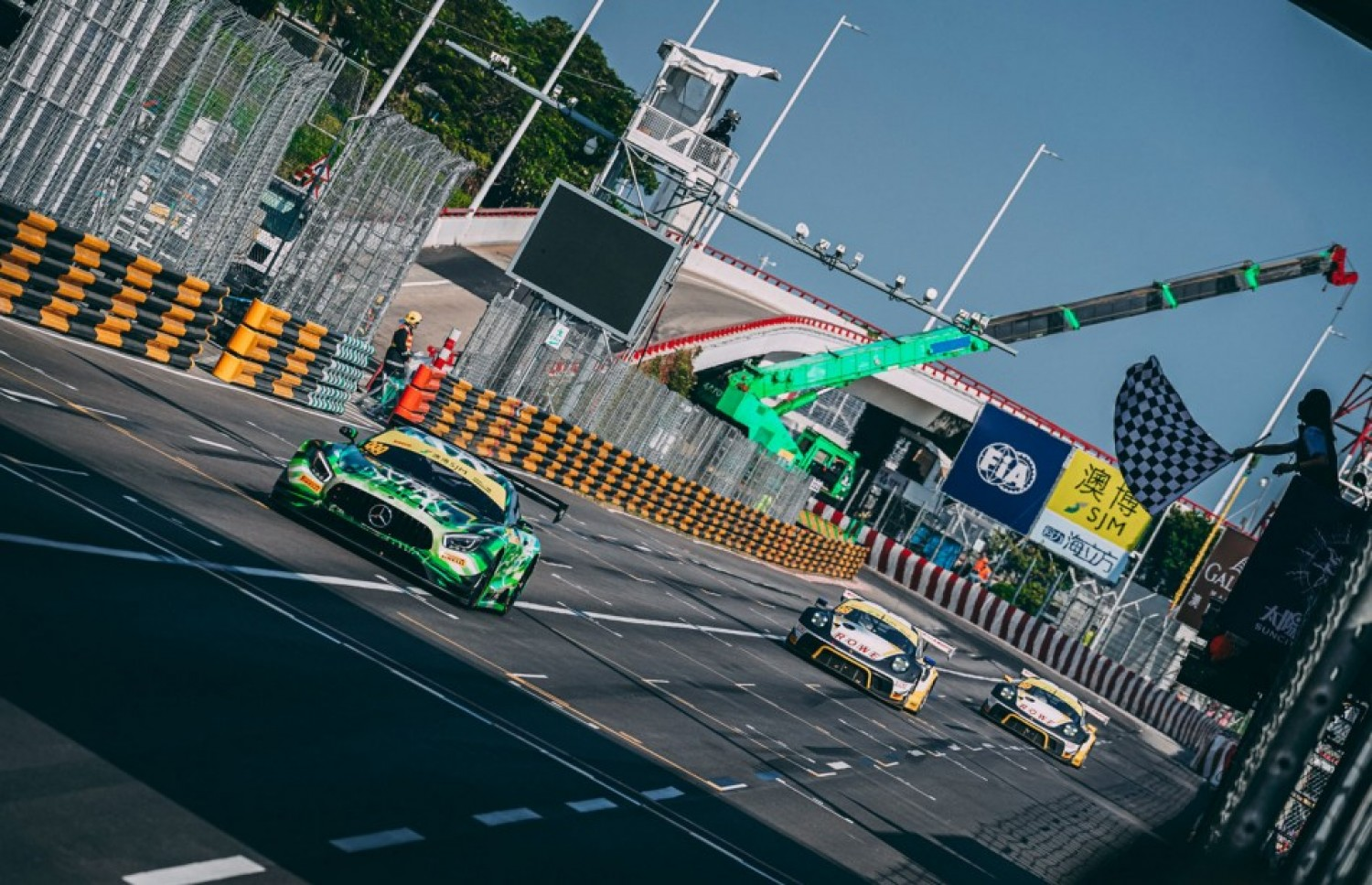 Marciello and Mercedes-AMG defeat Porsche to take FIA GT World Cup victory in Macau