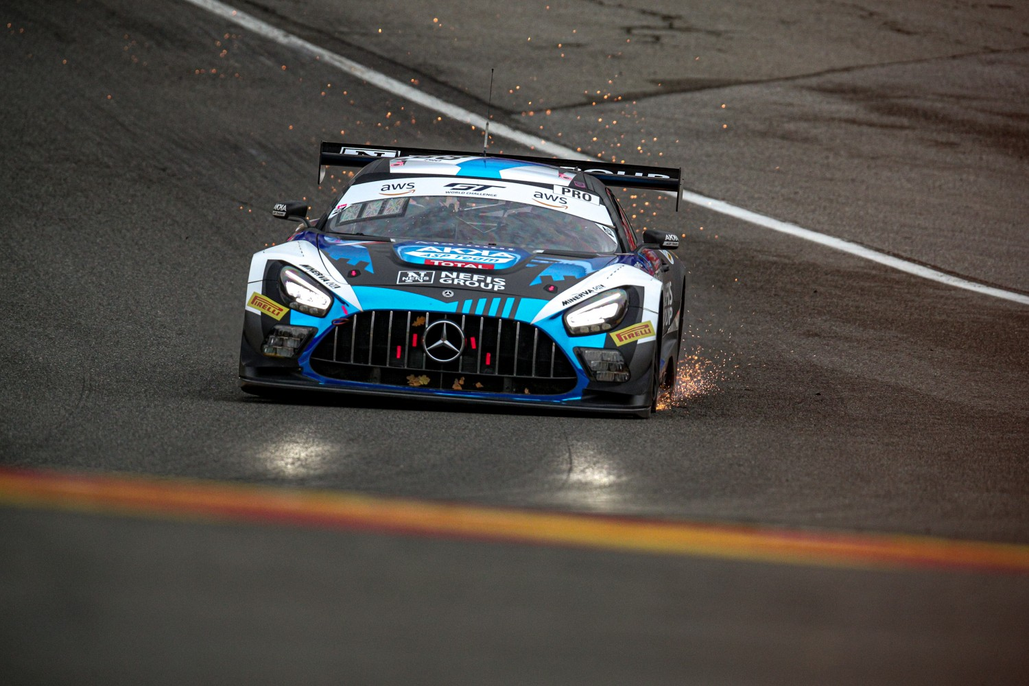 2-Hour Update: Marciello holds on to narrow lead for Mercedes-AMG Team AKKA ASP
