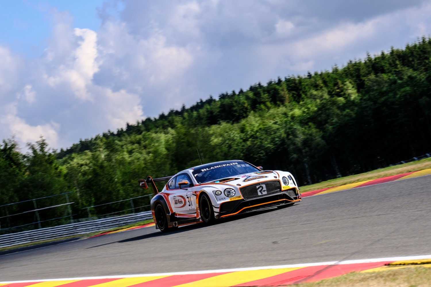 #31 Team Parker Racing GBR Bentley Continental GT3, Track  | SRO / Dirk Bogaerts Photography