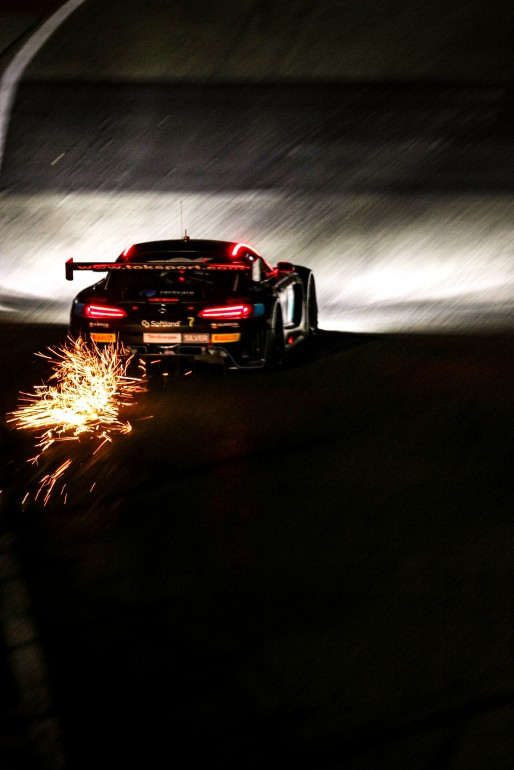 #7 Toksport WRT DEU Mercedes-AMG GT3 Berkay Besler TUR Oscar Tunjo COL Paul Petit FRA Marvin Dienst DEU Silver Cup IGTC, Night Practice