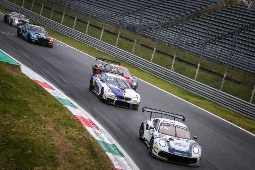 #22 GPX Martini Racing UAE Porsche 911 GT3-R (991.II) Matt Campbell AUS Earl Bamber NZL Mathieu Jaminet FRA Pro Cup, Race  | SRO / Patrick Hecq Photography