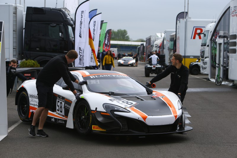 C me ledogar official site of blancpain gt series for Garage nissan annecy